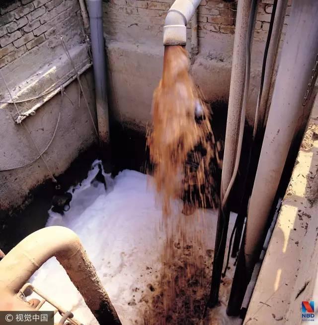 地下水退化不太可能是自身原因造成的,最大的可能性就是污染从地表转到地下了