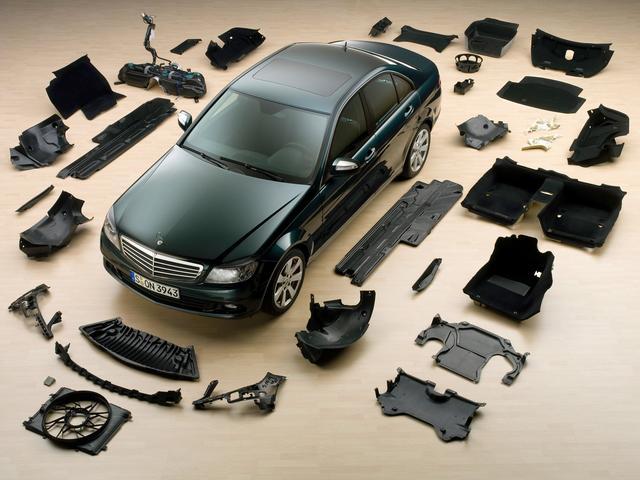 按规定,中国的私家车只能整车报废,几乎不能拆开来卖