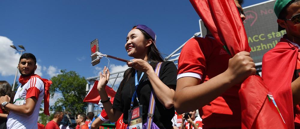 中国女生会四门语言当世界杯志愿者 找男友要支持同一球队