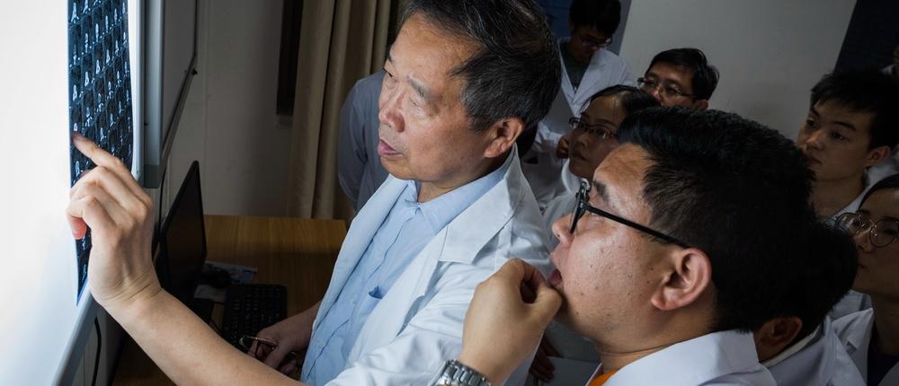 北京专家每十天往返贵州 为黔乡县城培养高血压医生