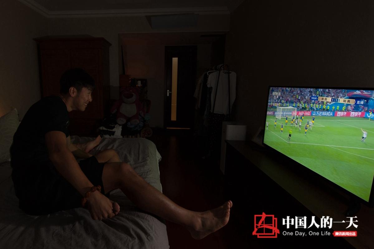 中国人的一天第3149期:中超球员28岁重新北漂