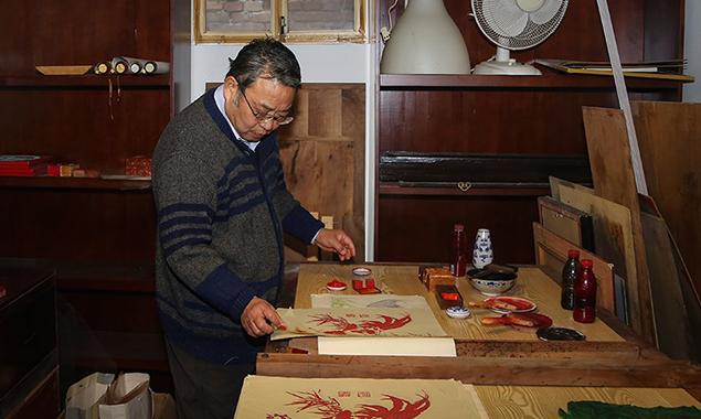 【点京】放弃生意做北京木版年画  手艺人坚持10年耗光积蓄