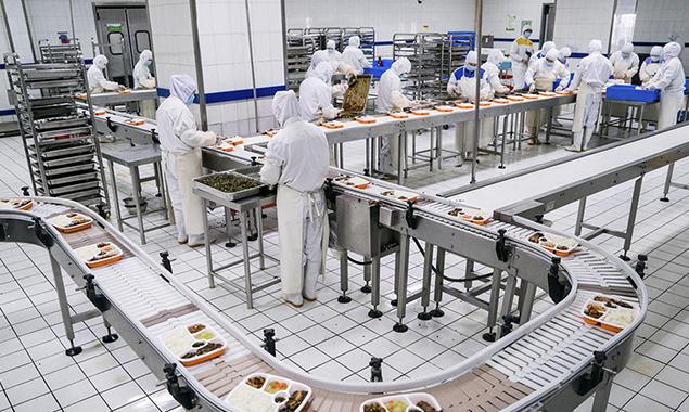 探访高铁盒饭生产基地