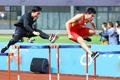 刘翔退役后重赛110米栏 与师弟谢文骏较量