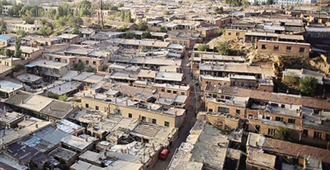 中国未来三年拟改造1亿人居住的棚户区和城中村