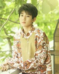 王源:少年绽放在阳光里
