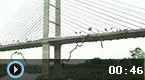 巴西245人同时跳30米高桥