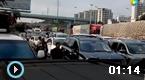 海口过万车辆拥堵滞留港口