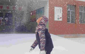 村里孩子们寄来了一整个冬天