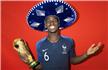 法国队拍摄世界杯冠军写真:博格巴秀招牌动作