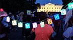 美国民众白宫外抗议总统