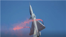 矢量歼10B表演眼镜蛇机动:十吨重的战机悬空停滞数秒