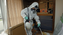 日本每年3万人孤独死在家中,特殊清洁员为其清理遗物