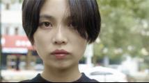 """高中女生被妖魔化成""""神女"""":我不再是一个人,是个怪物"""