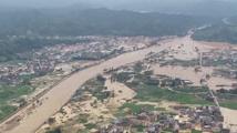 航拍广东河源洪灾现场