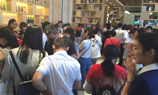 稀缺!江北星悦城4.8米挑高、开间4米、双钥匙 预计7月底首开