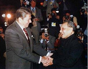 里根/无独有偶,1986年,美国总统里根访华,中国政府又一次选中...