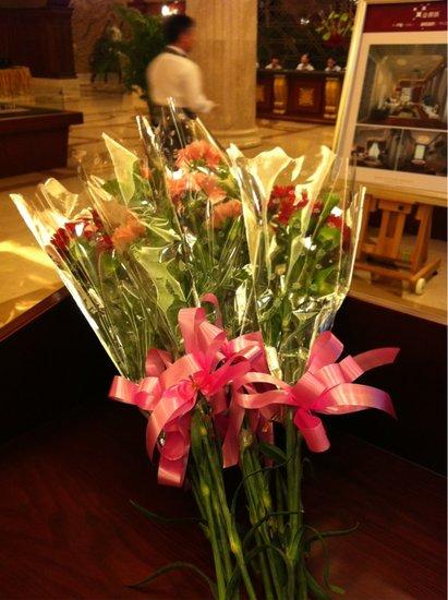 金源城5月13日献花母亲节三期爱情持续预约短漫画新品格图片