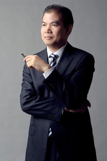 佳园地产副总经理梁世饶
