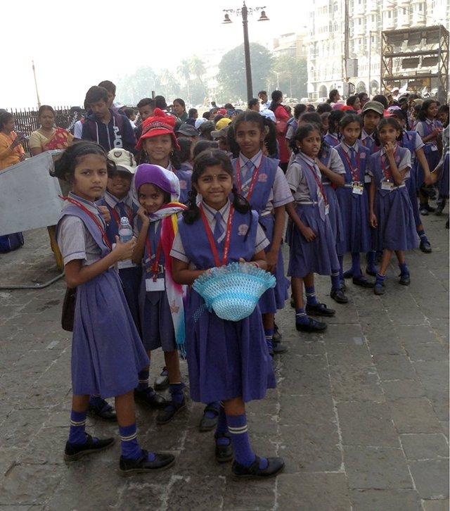 印度大街上的女生。作者供图