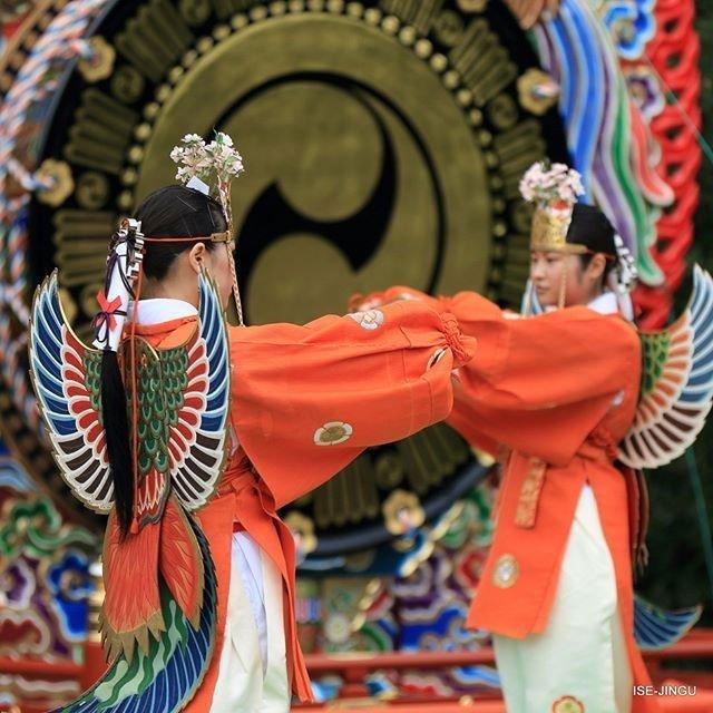 """扮作""""迦陵频伽""""跳舞的日本女孩"""