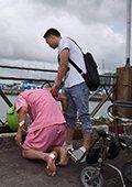 """普吉岛沉船后续:遇难者家属接亲人""""回家"""""""