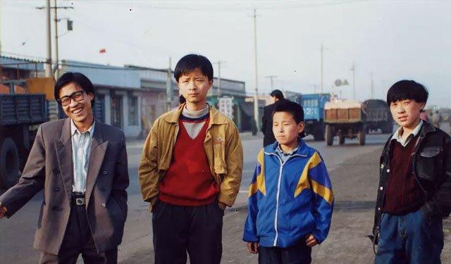《小武》中的小镇青年
