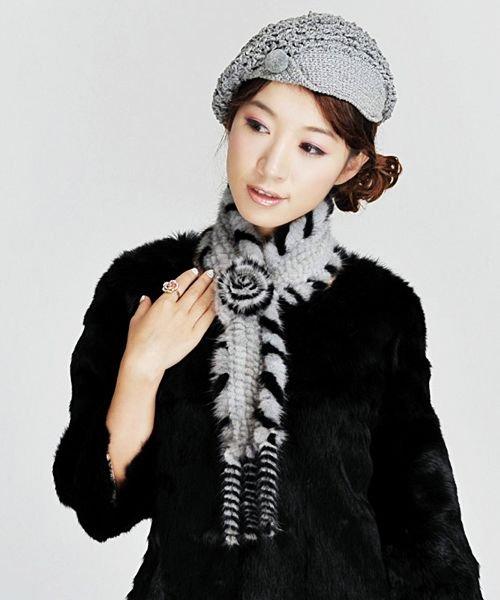 """保暖围巾 """"织""""出甜美迷人OL范"""