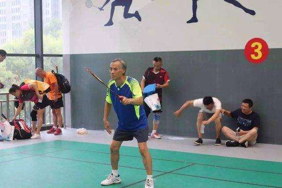 """羽动鹰城 第五届中老年""""建业杯""""羽毛球赛再掀健身热潮"""