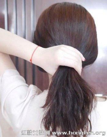 中长发发型扎法 清新温婉的挽发扎法教程图片
