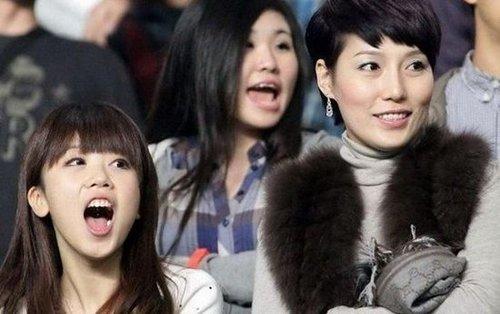 李玮峰老婆_李玮峰妻子和郜林妻子王晨