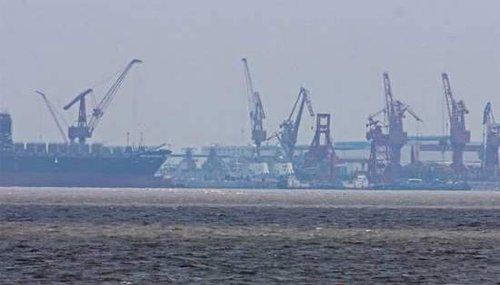 中国打造航母编队很急迫 新型战舰如下饺子