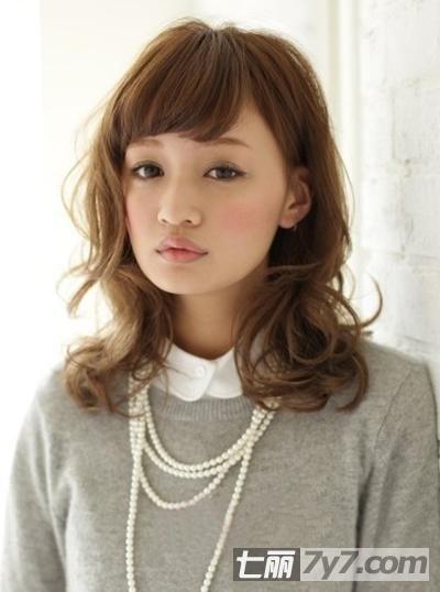 矮个子女生显高发型 瘦脸中短发梨花头图片