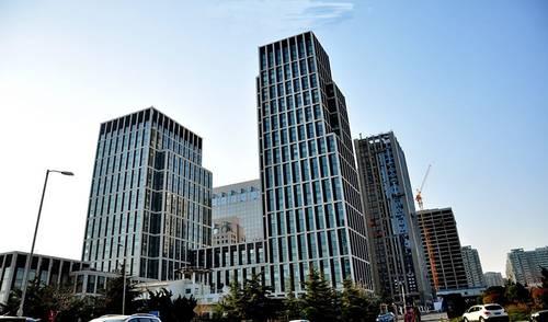 作为全市首家创业街区的青岛创客大街,用一年的时间做出了掷地有声的