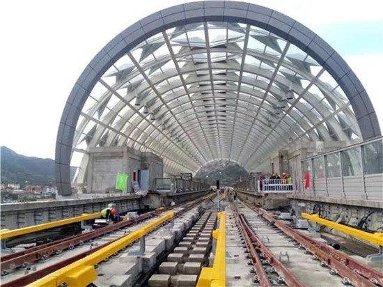 青岛第3条开通的地铁是11号线!上天入地明年4月试运行