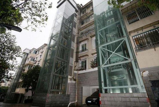 老旧小区加装电梯为啥这么难 好效果需要居民自治和参与
