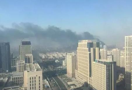 西海岸中建锦绣城在建工程起火(图)_频道-青岛_腾讯网
