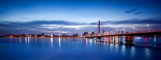 龙湖·双珑原著,占据大青岛立体交通中枢,临近未来规划中轻轨(r6