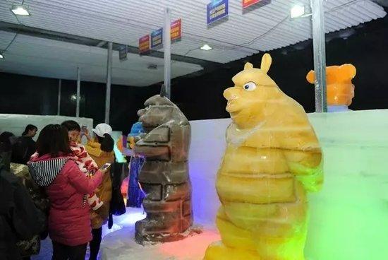 2017华中国际冰雕艺术展在壹中心火爆开展