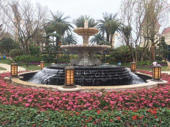 恒大悦珑湾皇家园林、9A精装升级样板间今日倾城绽放——诚邀君藏,悦鉴天地之大境
