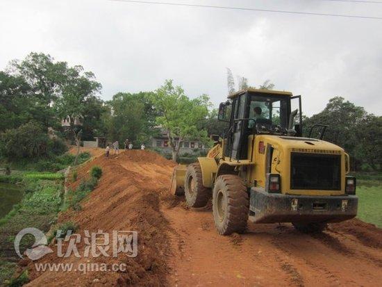 灵山县旧州镇掀起村道建设热潮