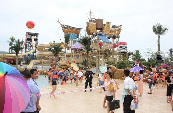 冠山海欢乐海岸 大型海啸冲浪动感乐园盛大开园