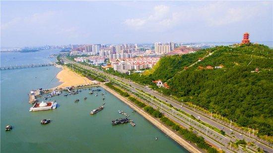 几幅图带你看穿防城港变化 第一眼你就会爱上它