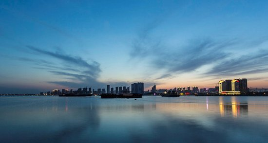 """金梦海湾-见证秦皇岛""""城市名片""""的海天蝶变"""
