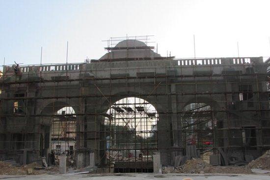 优山美地:住宅别墅落架完毕 预计明年下半年交房