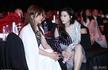 赵薇范冰冰台下热聊 网友:满满的童年回忆