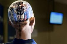 """机器人""""索菲亚""""之父:人类2045年可与机器人结婚"""