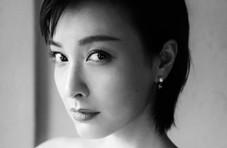 吴昕微博发硬照引来一片称赞,美的越来越高级了