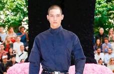 KAWS X Dior?时尚圈最震撼动漫联名要了解一下