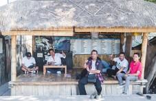 """网约车服务在印尼惹恼了""""出租车司机黑帮"""""""